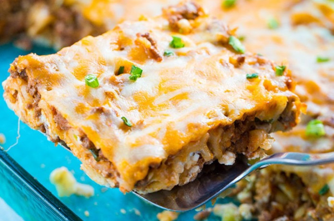 easy ground beef noodle casserole